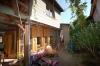 **VERKAUFT**  Mini***  Hofreite mit Ausbaumöglichkeiten u. Garten - Teilansicht von Hof und Anbau