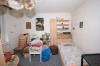 **VERKAUFT**  Für Handwerker !! Freistehendes Wohnhaus mit Anbau u. Garage. - In ruhiger zentraler  Lage von Schaafheim  !!! - Schlafzimmer im EG