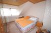 **VERKAUFT**  EXKLUSIVES Einfamilienhaus  mit Einliegerwohnung ! - mit TRAUMHAFTEN 405 m² Sahne Grundstück - Blick in ein Schlafzimmer