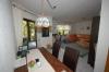 **VERKAUFT** Senioren und kleine Familien. TOP 3 Zimmer Wohnung mit Garten im ruhigen 4 Familienhaus - Weitere Ansicht ins Wohnzimmer