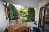 **VERKAUFT** Senioren und kleine Familien. TOP 3 Zimmer Wohnung mit Garten im ruhigen 4 Familienhaus - Blick von der Terrasse Richtung eigener Garten