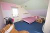 **VERKAUFT**  Wohntraum mit Dachterrasse für junge Leute, 3 Zimmer mit RELAXZONE, sowie 2 PKW Stellplätzen !!! - Blick in eines der Schlafzimmer