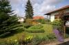 **VERKAUFT**  Immobilienrarität - grün - ruhig - zentral - in Groß Umstadt!!!   Schöner Winkelbungalow mit 2. Bauplatz - Traumhaft und liebevoll angelegter Garten