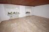 **VERKAUFT**  Ein Haus für 2 Generationen mit Ausbaureserven. mit 2 großen Garagen und 812 m² großem Grundstück !!! - Wohnzimmer (Wohnung EG)