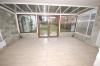**VERKAUFT**  Ein Haus für 2 Generationen mit Ausbaureserven. mit 2 großen Garagen und 812 m² großem Grundstück !!! - Wintergarten (Wohnung EG)