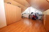 ***VERKAUFT*** TOP 3 Zimmer Maisonettenwohnung mit hochwertiger  Einbauküche und Stellplatz!! - Erster Blick ins Schlafzimmer/Büro