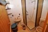 **VERKAUFT**   Einfamilienhaus für Sparfüchse mit Hof, Garten und Garage! - Duschbadezimmer