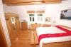 **VERKAUFT** Exklusives Wohnen im provoncialischem Stil in Gr.-Umstadt OT Kleestadt - Blick ins geräumige Schlafzimmer