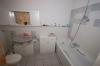 **VERKAUFT**  2 Zi. Wohnung mit Balkon u.T- Garage - gepflegtes Mehrfamilienhaus , ideal für Rentner - - Tageslichtbad mit Dusche u. Wanne