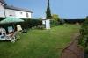 **Verkauft**  Freistehendes 2 Familienhaus auf 682 m² Grundstück mit 2 Garagen !!! - Gartenteilansicht