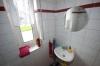 **VERKAUFT**DIETZ:  2 Familienhaus in grüner Umgebung mit super Austattung! - Gäste - WC  (EG)