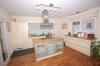 **VERKAUFT** Traumhaftes Einfamilienhaus !! Weit unter Neupreis !!  in klasse Feldrandlage! - Blick Richtung Küche