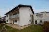 **VERKAUFT**  Sonniges 1-2 Familienhaus mit Blick in Feld und Wiesen - Hintere Ansicht mit Garage