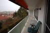 **VERKAUFT**  Sonniges 1-2 Familienhaus mit Blick in Feld und Wiesen - großer Balkon mit Markise
