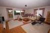 **VERKAUFT** 3 Familienhaus mit 3 Garagen in ruhiger Lage  - ideal für Kapitalanleger - oder auch den Eigennutzer - - Wohnzimmer (EG) OG identisch