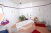 **VERKAUFT**DIETZ: Ein Haus für die kinderreiche Familie in KLEESTADT - Tageslichtbadezimmer