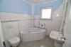 **VERKAUFT**DIETZ: Doppelhaushälfte mit Garten und Terrasse ! - Badezimmer (OG) mit Whirlpool-Badewanne