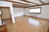 **VERKAUFT**DIETZ:   Freistehender Walmdachbungalow mit Einliegerwohnung  auf 1026 m² Grundstück. - Das Wohnzimmer (EG)