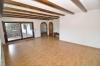 **VERKAUFT**DIETZ:   Freistehender Walmdachbungalow mit Einliegerwohnung  auf 1026 m² Grundstück. - Weitere Wohnzimmeransicht (EG)