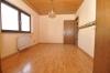 **VERKAUFT**DIETZ:   Freistehender Walmdachbungalow mit Einliegerwohnung  auf 1026 m² Grundstück. - an Küche grenzender Essbereich (EG)