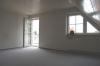 DIETZ: ACHTUNG! Moderne 3 Zimmer Maisonetten-Wohnung mit  Balkon u. KFZ-Stellplatz! Für Selbstnutzer o. Kapitalanleger - Wohnzimmer (mit Balkonzugang)
