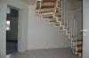 DIETZ: ACHTUNG! Moderne 3 Zimmer Maisonetten-Wohnung mit  Balkon u. KFZ-Stellplatz! Für Selbstnutzer o. Kapitalanleger - Diele mit Aufgang zum Dachgeschoss