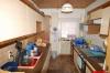 **VERKAUFT**DIETZ:  Freistehendes Wohnhaus mit Nebengebäuden u. Garage  -- viele Räumlichkeiten für viele Nutzungsarten. - Blick in die Küche