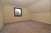 **VERKAUFT**DIETZ:  2 teilmodernisierte Häuser in Babenhausen OT - Schlafzimmer 1 (Whg 1)