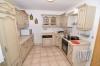 DIETZ: **VERKAUFT**  Zum Gewinnerpreis! Umfangreich saniertes Einfamilienhaus mit schönem Garten in ruhiger Lage. - Blick in die Küche