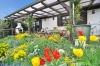 DIETZ: **VERKAUFT**Liebhaberimmobilie ! Süddeutsche Architektur  trifft außergewöhnliche Feldrandlage! - Blick auf die Terrasse