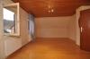 DIETZ: **VERKAUFT** Romantisches Bauerngehöft (Wohnhaus und Scheune) für  Handwerker! (1084 m² Grundstück) - Zimmer im OG
