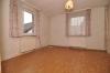 DIETZ: **VERKAUFT** Romantisches Bauerngehöft (Wohnhaus und Scheune) für  Handwerker! (1084 m² Grundstück) - Weiteres Zimmer im OG
