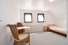 **VERKAUFT** DIETZ: Modernisiertes 2 Familienhaus auf pflegeleichtem Grundstück! Ruhig UND zentrumsnah! - Schlafzimmer 1 v. 4 (DG)