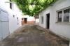 **VERKAUFT**DIETZ: Gemütliches Einfamilienhaus mit Nebengebäuden,  tollem Garten, 2 Car-Ports und jede Menge Potenzial ! ! ! - Blick in den Innenhof