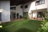**Verkauft**Schaafheim: DIETZ:Intelligent geplantes massives Haus mit Galerie in bester Lage !!! - Große überdachte Terrasse