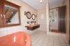**Verkauft**Schaafheim: DIETZ:Intelligent geplantes massives Haus mit Galerie in bester Lage !!! - Hauptbad mit Wanne + Dusche