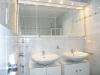 DIETZ: **VERKAUFT**Klasse 3-4 Zi. Maisonetten - Terrassen - Gartenwohnung im 2 Familienhaus!! - Blick ins helle Badezimmer