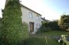 **VERKAUFT**DIETZ:  Freistehendes Einfamilienhaus mit großem Garten und altem Baumbestand - Vordere Hausansicht