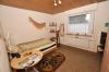 **VERKAUFT**  DIETZ: Modernisiertes 2 - 3 Familienhaus mit Doppelgarage, großem sonnigen Garten, Keller, uvm... - Schlafzimmer 1 (EG)