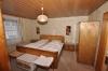 **VERKAUFT**DIETZ: Bauernhaus mit  Scheunen und Nebengebäuden Gewölbekeller - 8 Zimmer - Großer Innenhof - Schlafzimmer 1