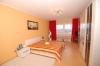 **VERKAUFT**DIETZ: TOP 4 Zimmerwohn. - Garage - Tageslichtbad mit Wanne - Gäste-WC - Südloggia - Moderne Einbauküche inklusive - Schlafzimmer 1 von 2
