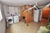 DIETZ:**VERKAUFT** TIP TOP gepflegtes großzügiges 1 - 2 Familienhaus im Landhausstil mit Garten, Terrasse, Garage, Car-Port, EBK, - Blick in die Waschküche