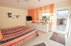 **VERKAUFT**DIETZ: Modernisiertes Haus mit Blick auf Wald und Wiesen Ideal für eine größere Familie - oder für 2 Generationen! - Schlafzimmer 3 (EG)
