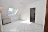 **VERKAUFT**DIETZ: 2-3 Zimmerwohnung mit SÜD-LOGGIA, modernem Tageslichtbad mit Wanne und KFZ-Stellplatz im 3 Fam.Haus - Esszimmer