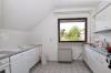 **VERKAUFT**DIETZ: 2-3 Zimmerwohnung mit SÜD-LOGGIA, modernem Tageslichtbad mit Wanne und KFZ-Stellplatz im 3 Fam.Haus - Abgeschlossene Küche