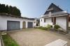 **VERKAUFT**DIETZ: Freistehendes Einfamilienhaus mit 2 Garagen - Photovoltaikanlage - Terrasse und großem OST-Balkon! - Große Hofeinfahrt