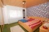 **VERKAUFT**DIETZ: TOP gepflegter Bungalow mit Garage, Garten und 640 m² Grundstück! In Feldrandlage - Schlafzimmer 1