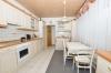 **VERKAUFT**DIETZ: Großzügige modernisierte Immobilie für 2 Generationen mit 2 Garagen und 786 m² Grundstück!! - Wohnküche mit EBK
