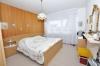 **VERKAUFT**DIETZ: Großzügige modernisierte Immobilie für 2 Generationen mit 2 Garagen und 786 m² Grundstück!! - Schlafzimmer im EG