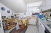 **VERKAUFT**DIETZ: Großzügige modernisierte Immobilie für 2 Generationen mit 2 Garagen und 786 m² Grundstück!! - Wohnküche im OG